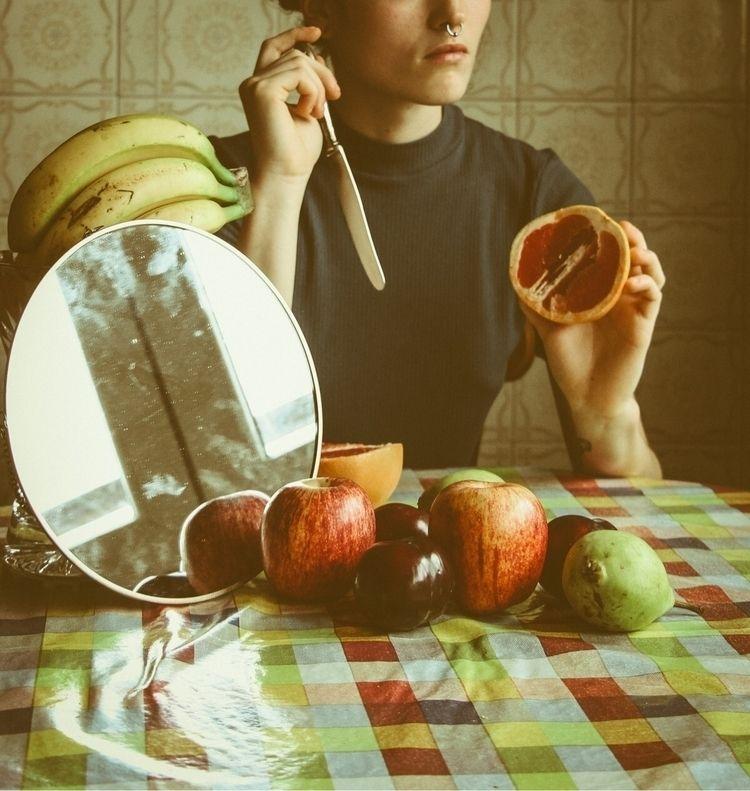 •eat fruit •#plpix#illgrammers  - marialpzdeturiso | ello