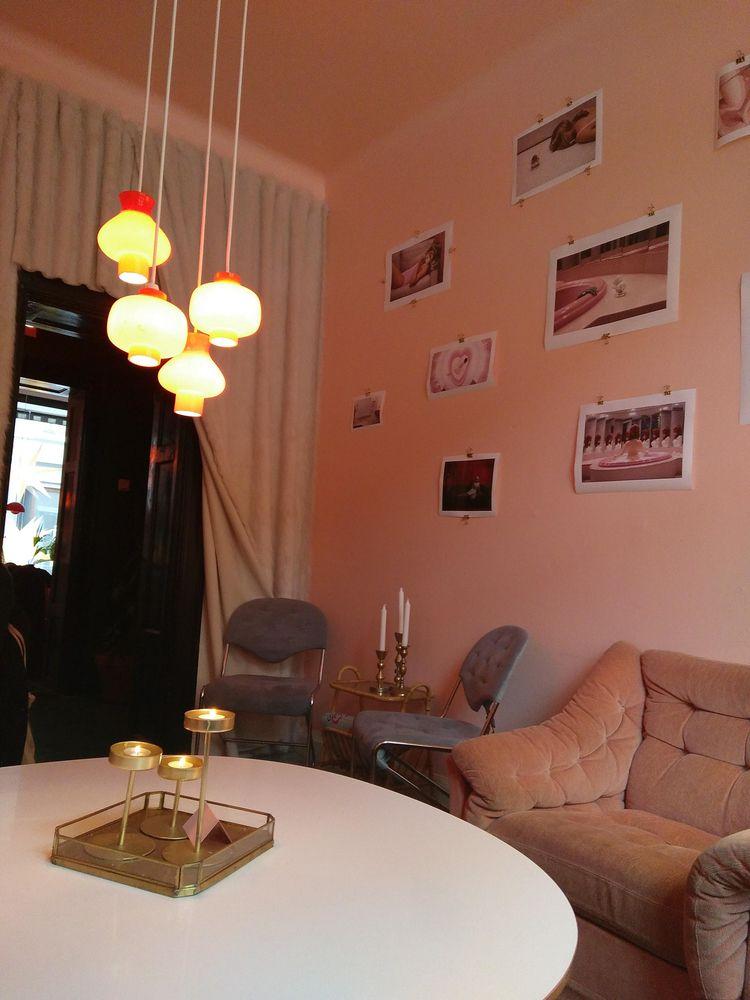 pink interiors - naomilittle | ello