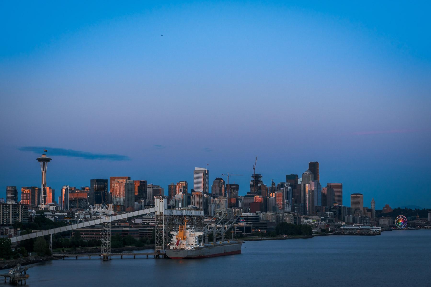 Ship Skyline light day illumina - 75centralphotography | ello