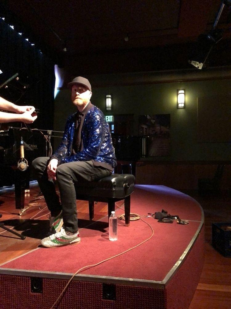 Taping acoustic set Banana Stan - loganlynn | ello