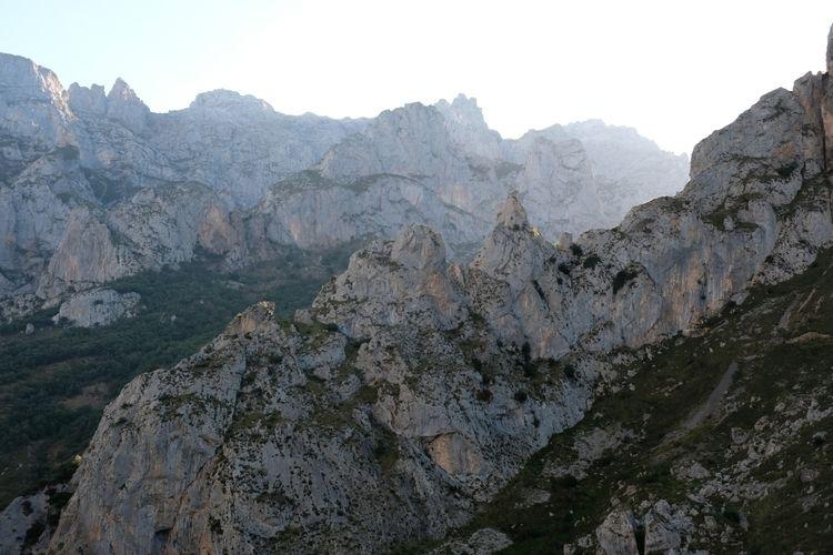 Picos de Europa hike, day 6: da - red_lenses | ello