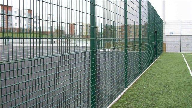 Auto Gates Fencing offeres wide - autogatesandfencing   ello