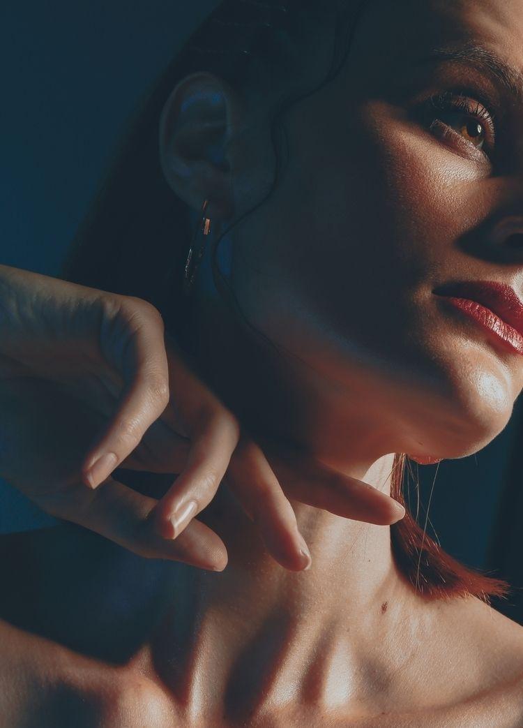 BLUE WOMAN MODEL: LUANA DACHERY - jonleao | ello