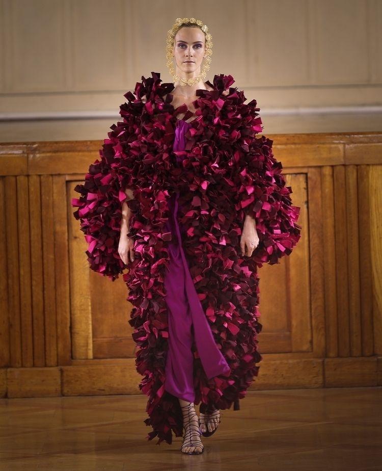 couturecollection, couturedress - felixfelixfashionmode | ello
