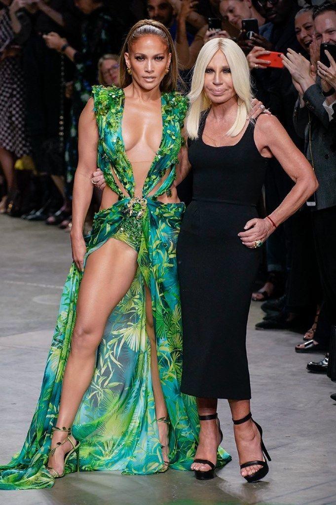 coverage Versace show Milan Fas - kingdomzxluxe | ello