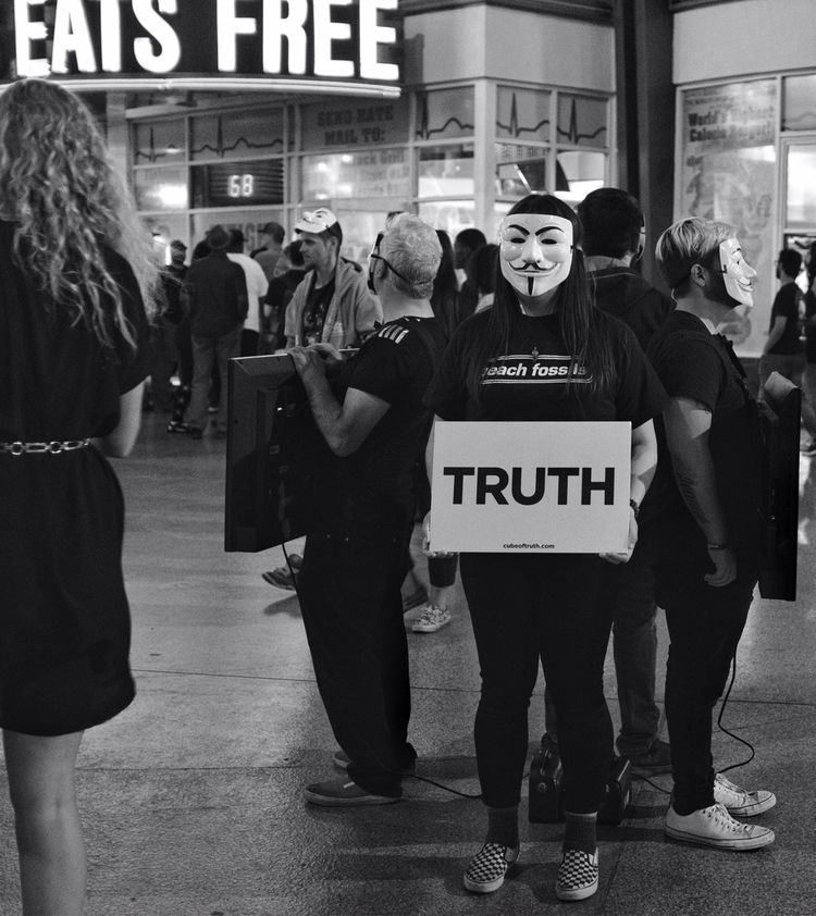 truth eats free Fremont Street - flaneurity   ello