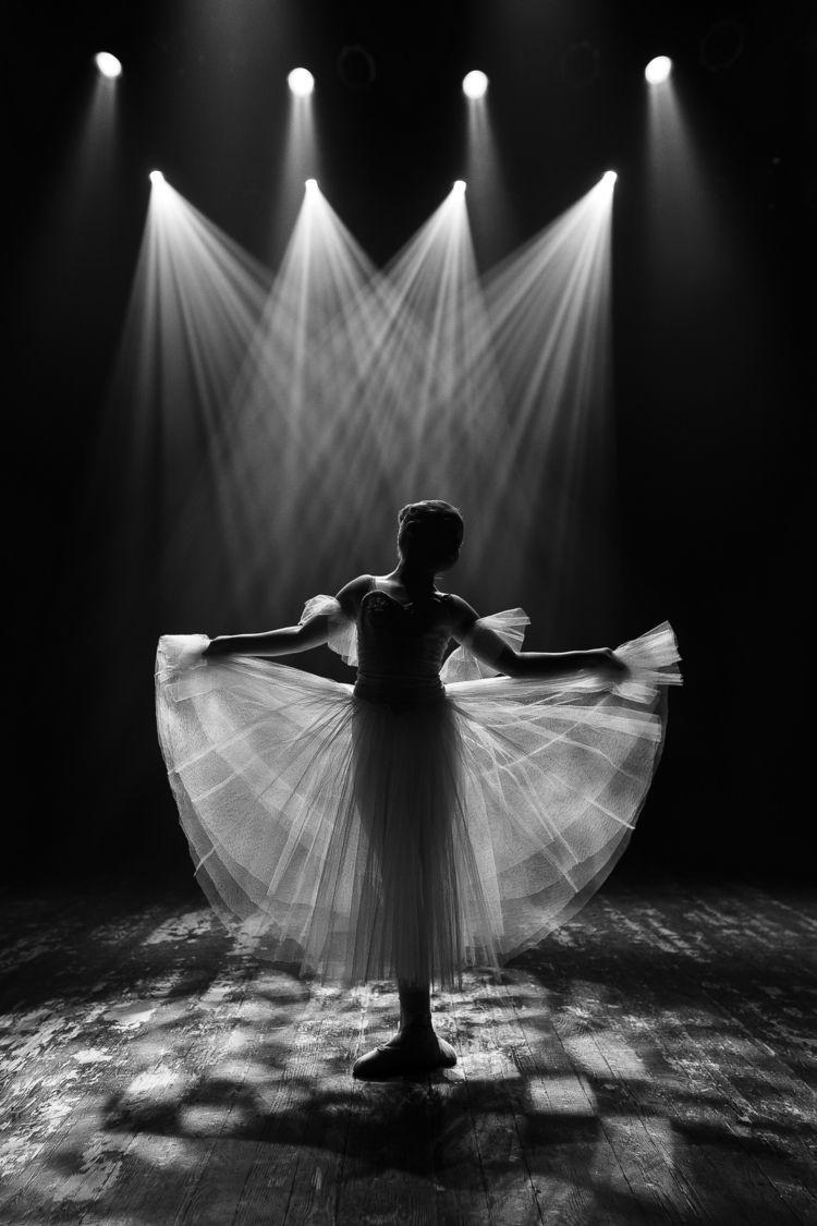 Stage - bw, ballet, child, ello - zokinatif | ello