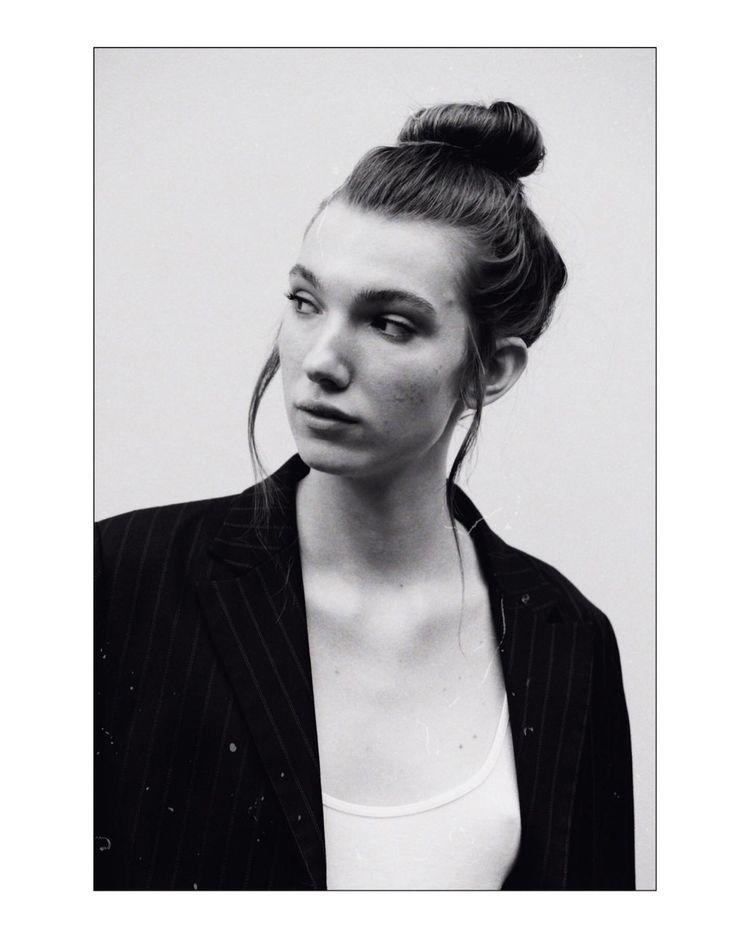 Marta Leica r4s+tx-400 - potrait - socramphotophobia   ello