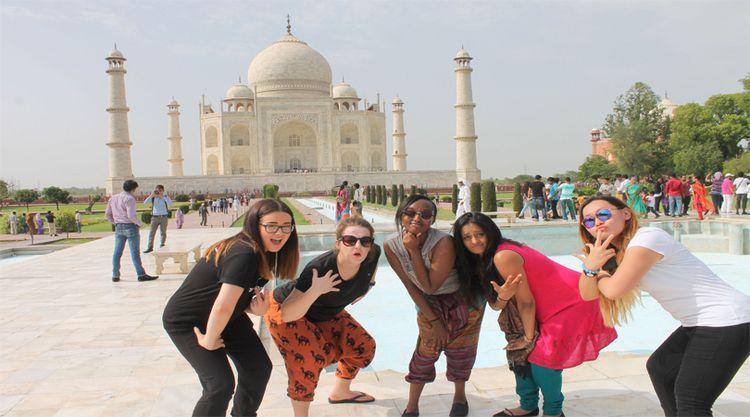 tour Experience famous tourist  - perfectagratours | ello