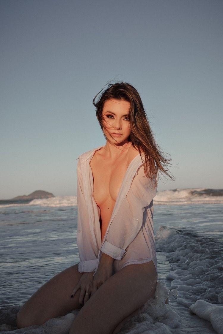 CLOSE SUN. Model: Camila Ventur - affeldjc | ello