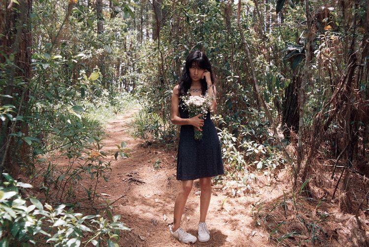 Girl walking night 35 mm 2019 - indi3nudes | ello