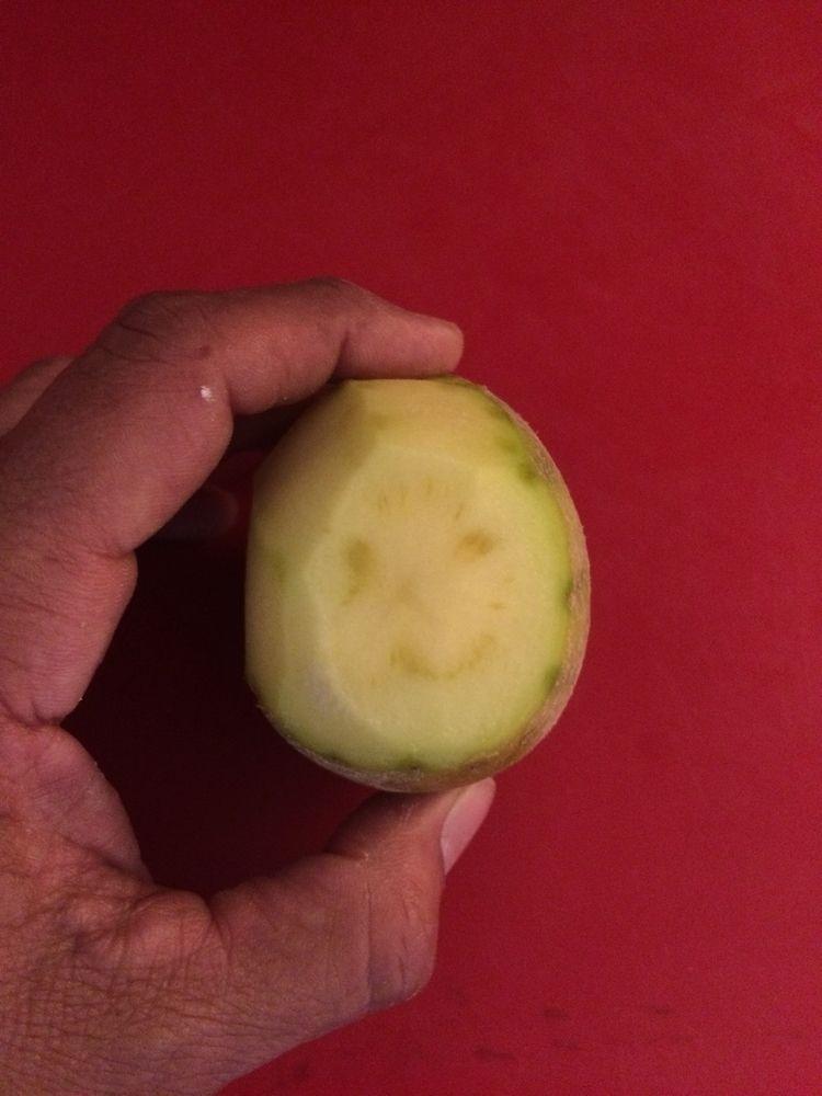 Potato smiley-face - shiwak | ello