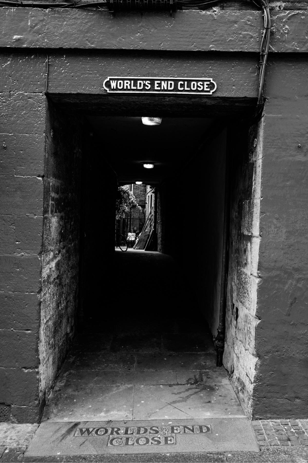 Royal Mile, Edinburgh/UK - jeroentaalman | ello