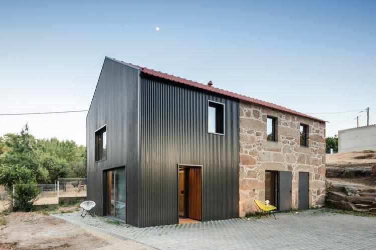 MCR2 House Filipe Pina + Maria  - thetreemag | ello