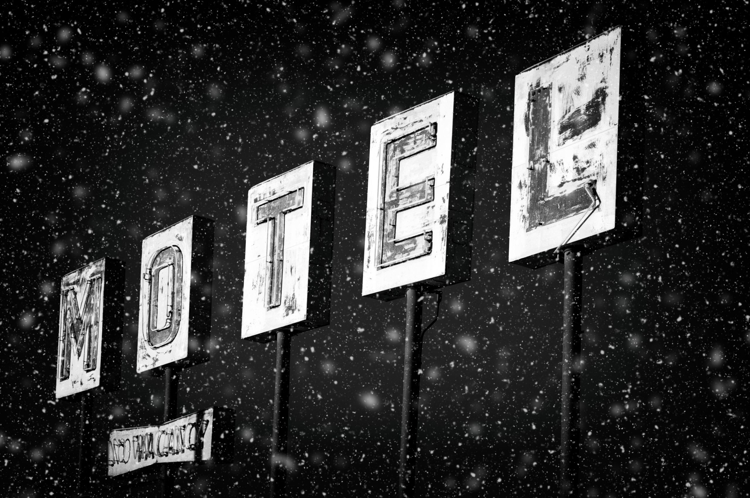Room Inn - monochrome, elloblackandwhitephotography - jeff_day | ello