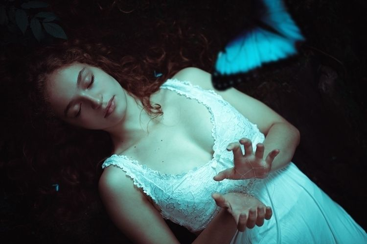 """""""Dreamcatcher"""" – Photographer:  - darkbeautymag   ello"""