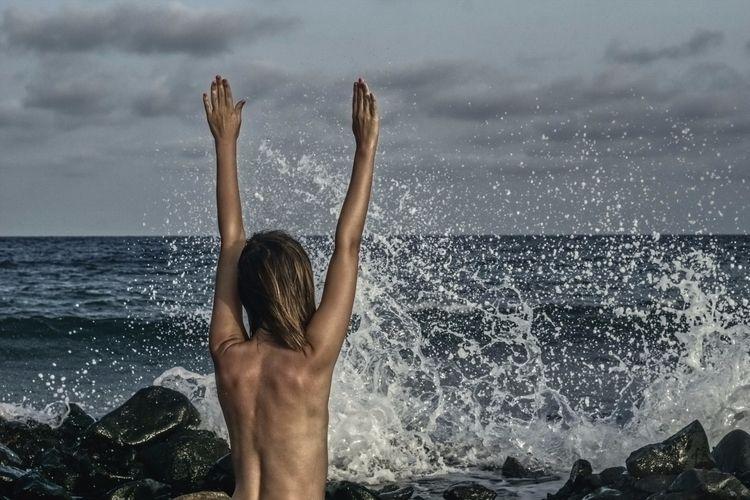 raised hands Fear, subordinatio - goralski-art | ello