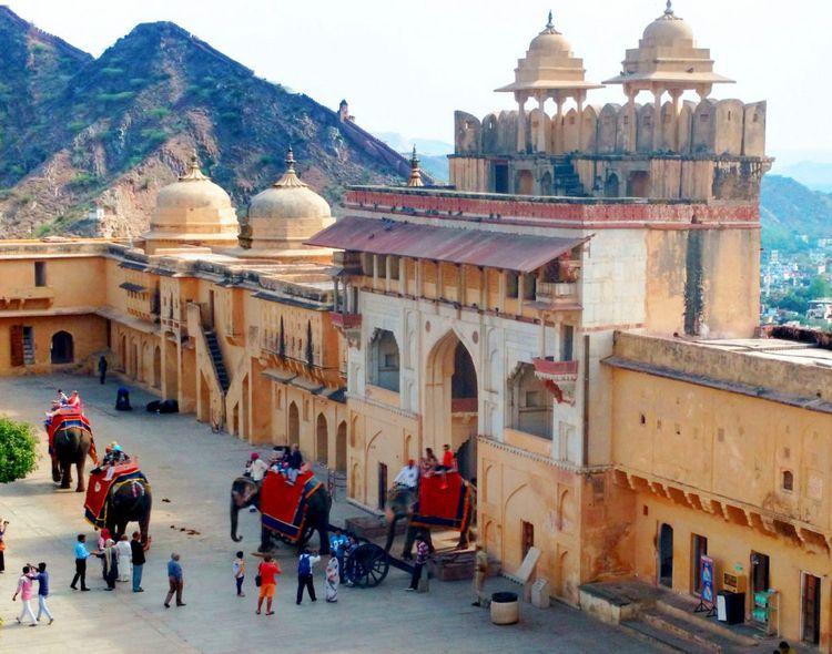 Delhi Jaipur Tour Car offering  - perfectagratours   ello