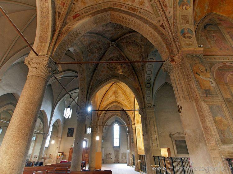 ( nave San Pietro Gessate. Fusi - milanofotografo | ello