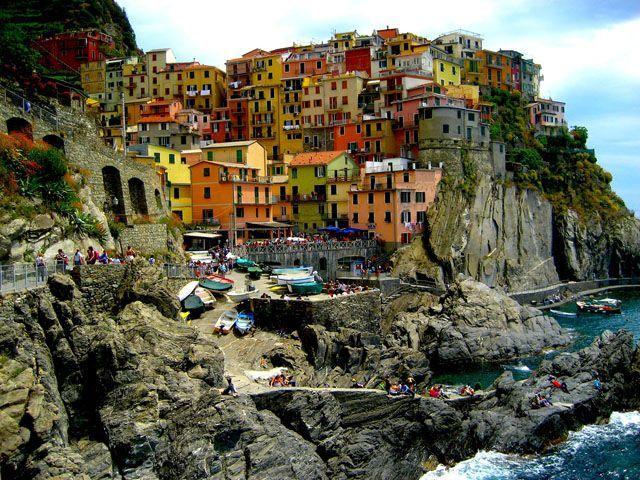 6 Tempat Wisata Penuh Warna di  - kinipariwisata | ello