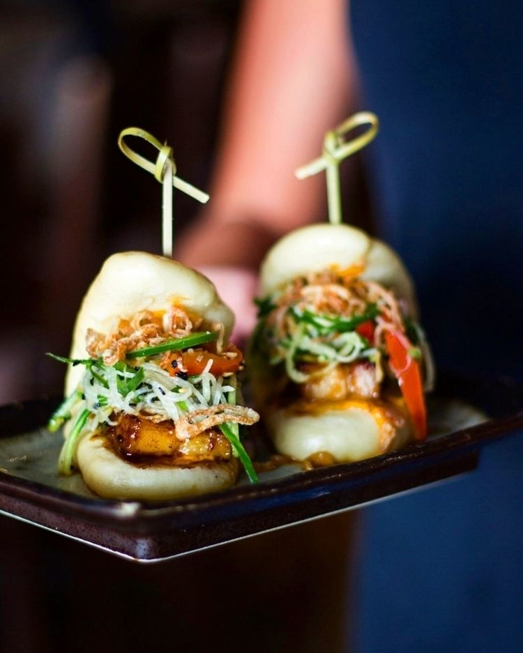 sexiest pork belly bao buns :th - masappetit | ello