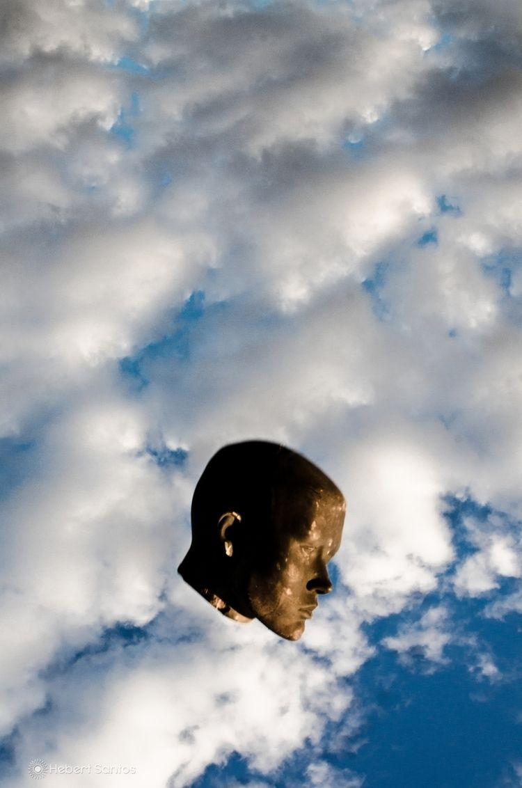 lost head, time. - Hebert Santo - hebertsantos_ | ello