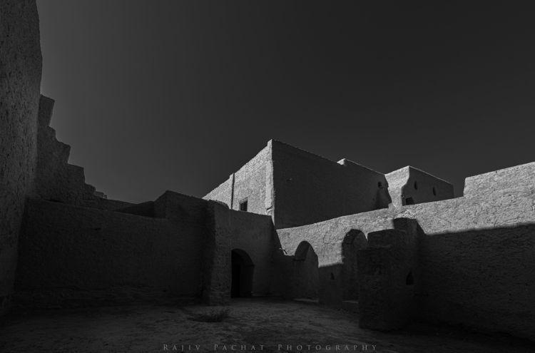 life Location: Harat Al Bilad,  - morpheus2004 | ello