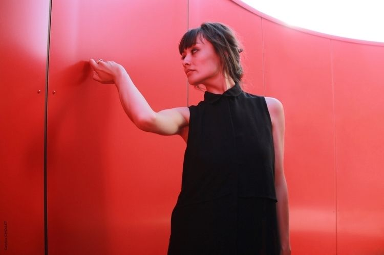 Red Model Camille Vandoorsselae - linecaro | ello