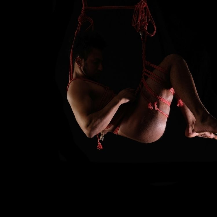 03.2020 - Selfsuspenson, suspension - ananse | ello