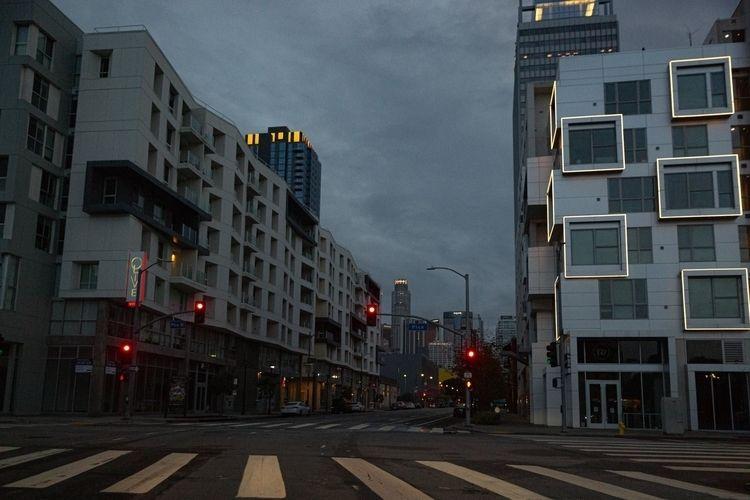 Los Angeles Days Pandemic Pico  - tchickphoto | ello