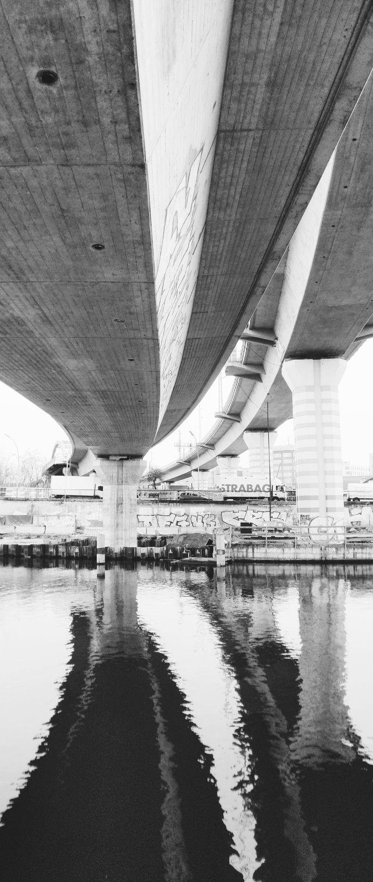 Railway bridges, Berlin, Februa - thmsdhms   ello