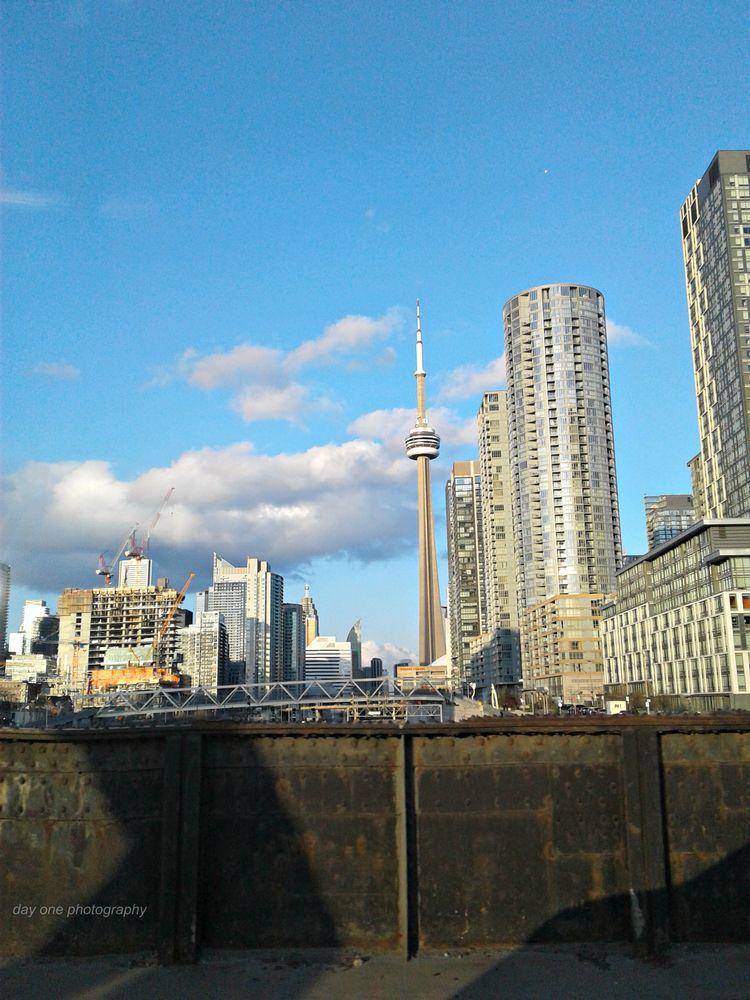 Toronto, phone car. Photo - FredaMans - fredasvoice | ello