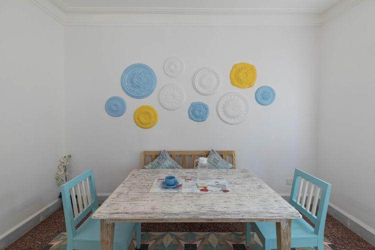 plain wall. frames, plates, til - oyoxdesign | ello