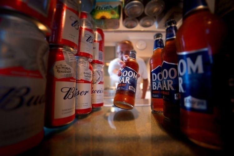 early beer - lockdown, covid19, caronavirus - paulbullen | ello