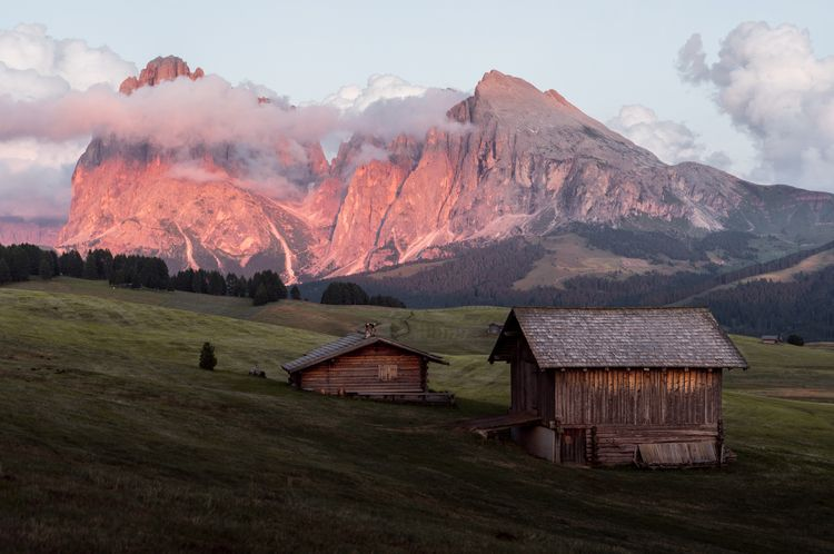 Dolomites, Northern Italy good  - dis_satisfied | ello