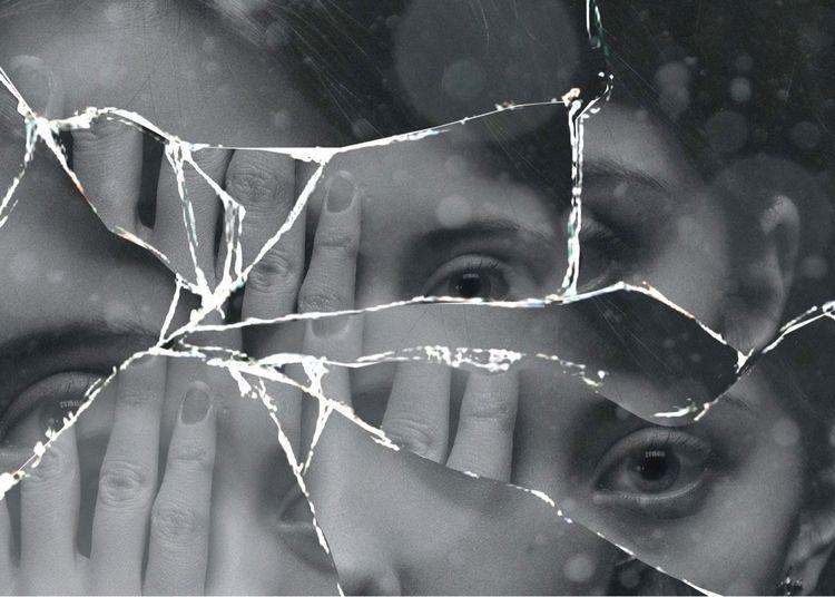 love broken mirror/glass effect - leight | ello