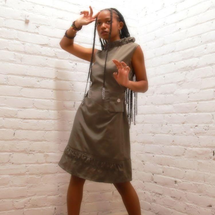 Contemporary short dress Zipper - fleshflower | ello