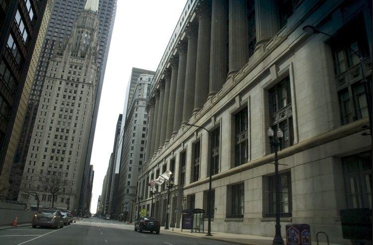 Deserted Downtown Chicago - photostatguy   ello
