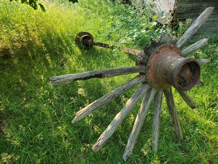Slats wood light - crowguided | ello