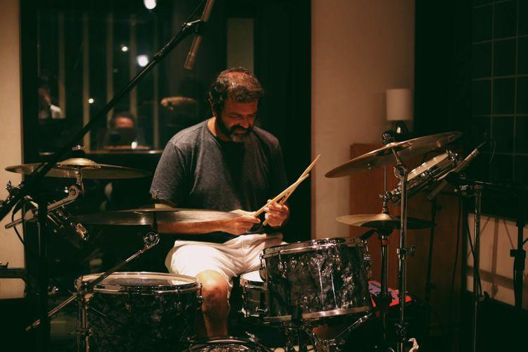 Tuto Ferraz. Bateria/drums Band - lizportraits | ello