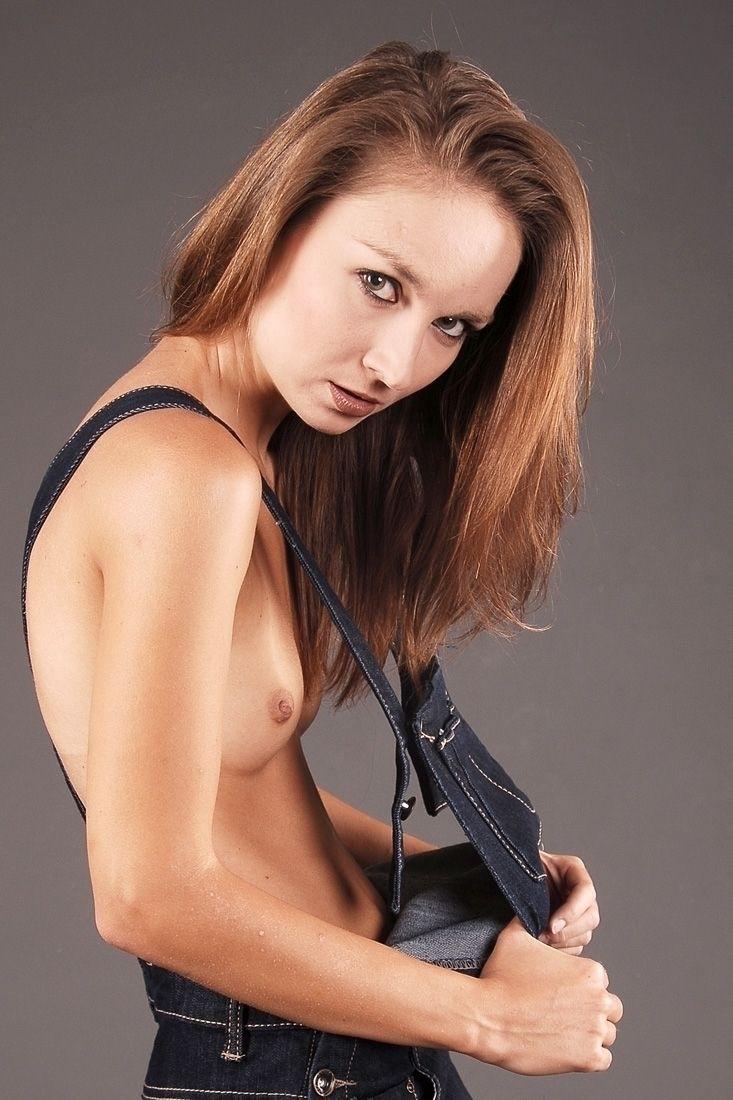 Jeans - Nikibyrasart, nudebyrasart - rasmus-art | ello