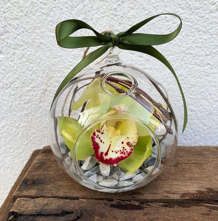 decorating Tight spaces choose  - theflowermerchant | ello