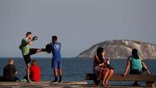 Brasil está relaxando medidas d - herosmoraes | ello