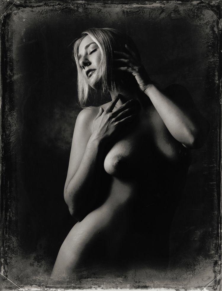 Model: Carrie - stevelease | ello