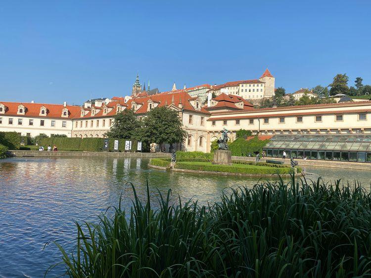 Valdštejnský Palác (Palais Wa - eatious | ello
