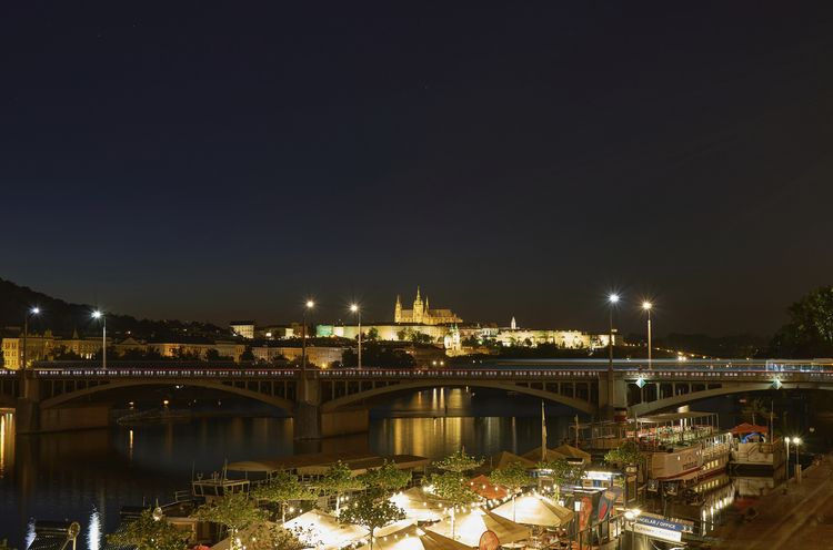 Prague Night. View Vltava castl - thojen | ello