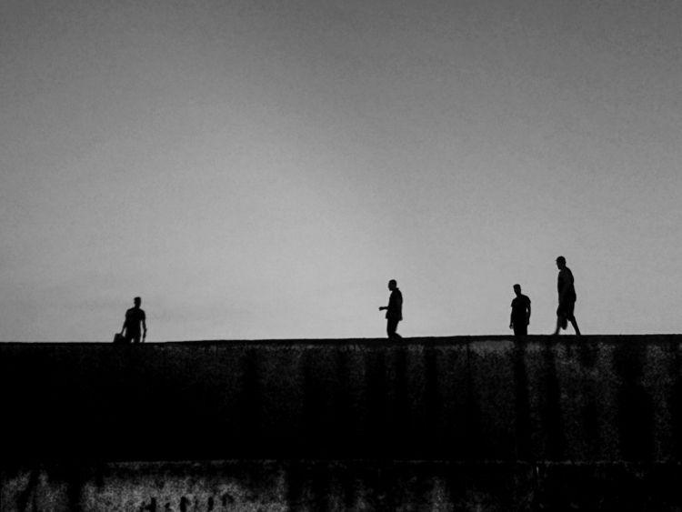 photographie en noir blanc ils  - chafikaaitoudia | ello