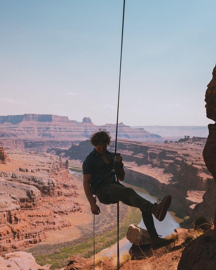 Hanging Utah - treywalker   ello