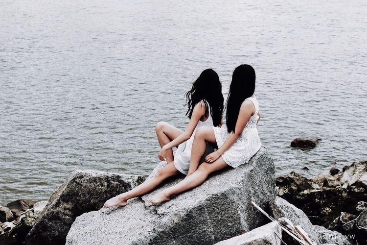 Seaside. • Models: Sophia, Ambe - ashley_vw   ello