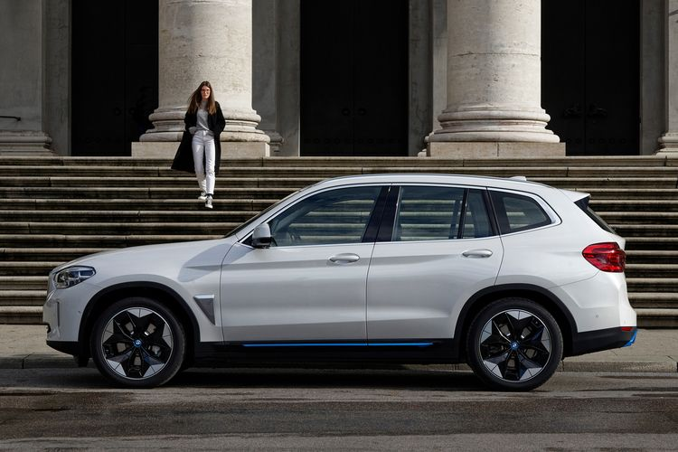 pleasure test BMW iX3 mobility  - brittareineke | ello